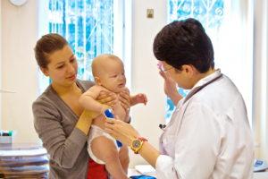 Осмотр ребенка врачом-инфекционистом
