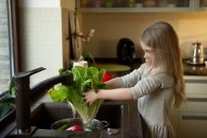Тщательная обработка овощей и фруктов