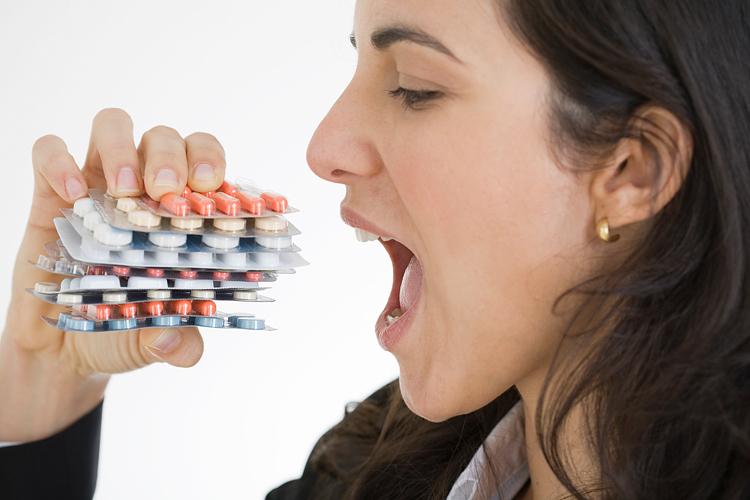 Пить обезболивающие препараты